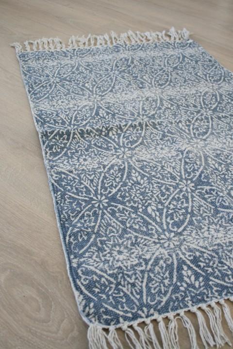 Blå matta med mönster - Lilla Tegelbruket